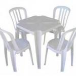 jogo-mesa-cadeira-de-plastico
